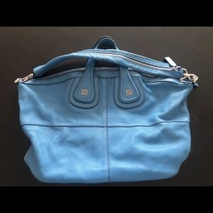 Givenchy Nightingale size Medium in sky blue